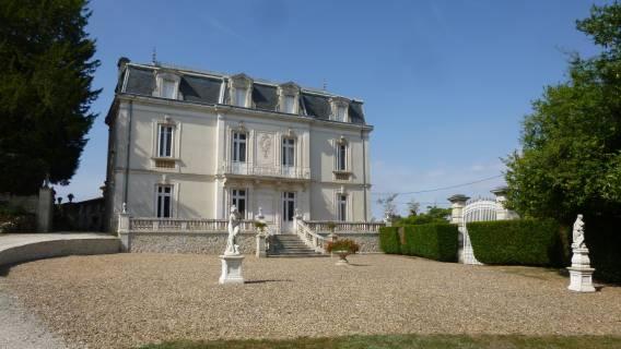 Property for sale Luxé Charente