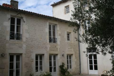 Property for sale Saint-Jean-d'Angély Charente-Maritime