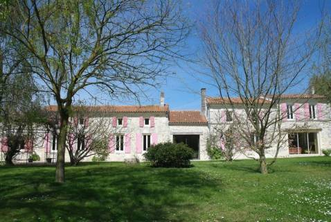 Property for sale Tonnay-Boutonne Charente-Maritime