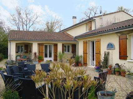 Property for sale TUSSON Charente