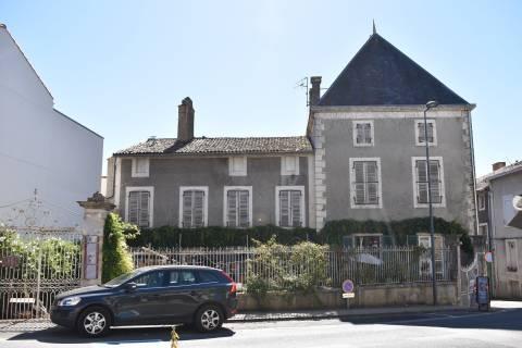 Property for sale Melle Deux-Sevres