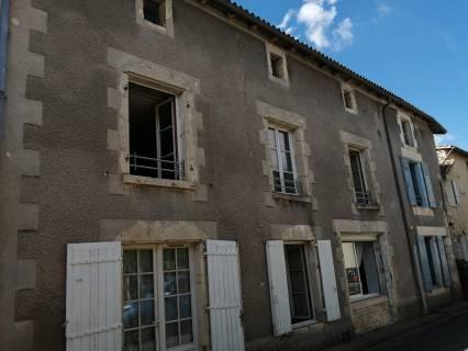 Property for sale Saint-Sauvant Vienne
