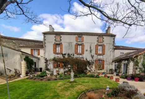 Property for sale La Châtaigneraie Vendee