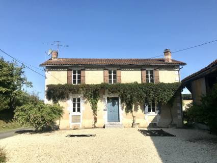 Property for sale Pillac Charente