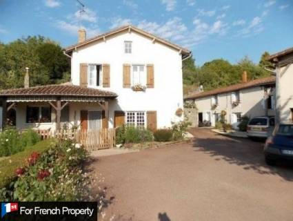 Property for sale Charroux Vienne