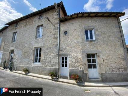 Property for sale Champagne-Mouton Charente