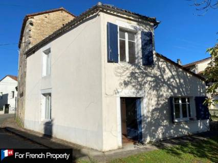 Property for sale Cellefrouin Charente
