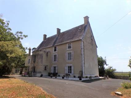 Property for sale CHEF BOUTONNE Deux-Sevres