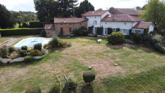 Property for sale Saint-Junien-les-Combes Haute-Vienne