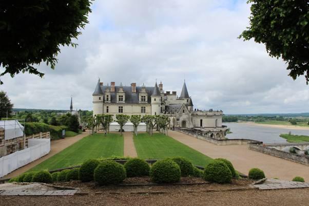Chateau-Amboise gardens